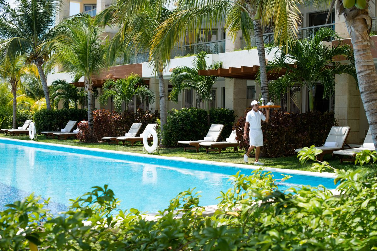 Travel Agency All-Inclusive Resort Excellence Playa Mujeres 05