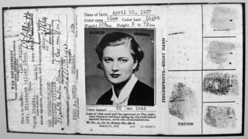 Passaporte da ex-modelo e fotógrafa, emitido em 1942.