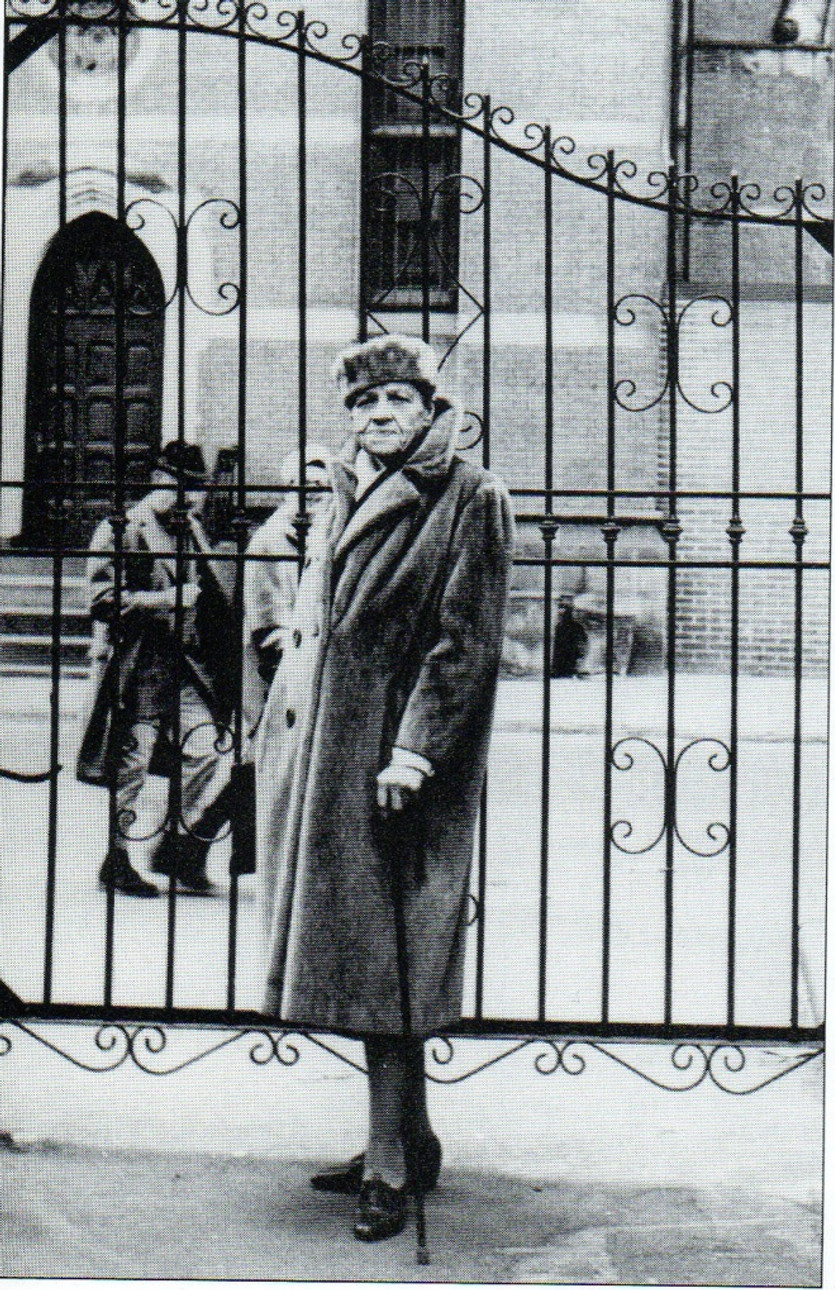 Barnes em 1960. Foto tirada pela esposa de e. e. cummings, a poeta Marion Morehouse.