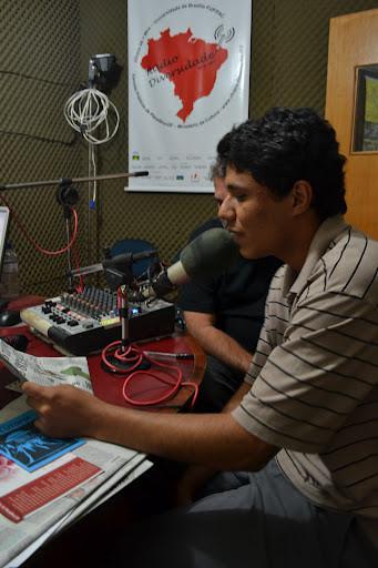 """Transmissão do programa """"Espaço Universitário"""" na rádio comunitária Utopia FM"""