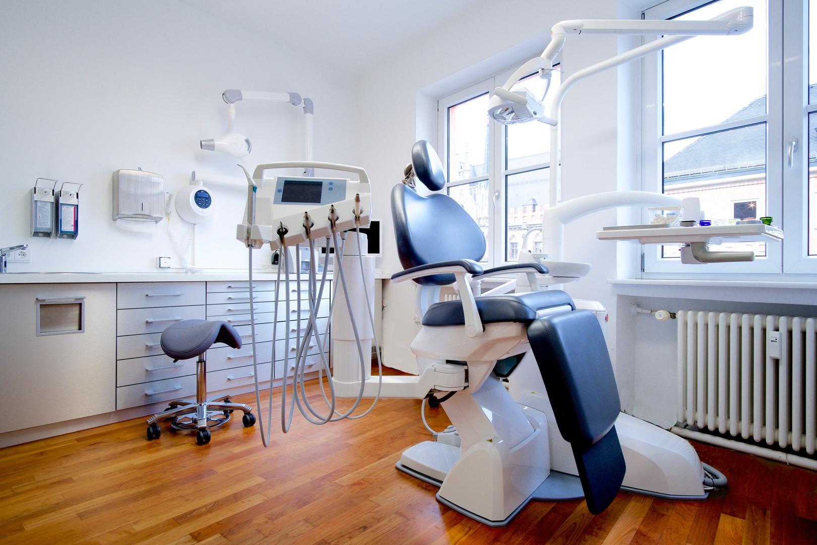 Zahnärztin am Marienplatz Behandlungszimmer
