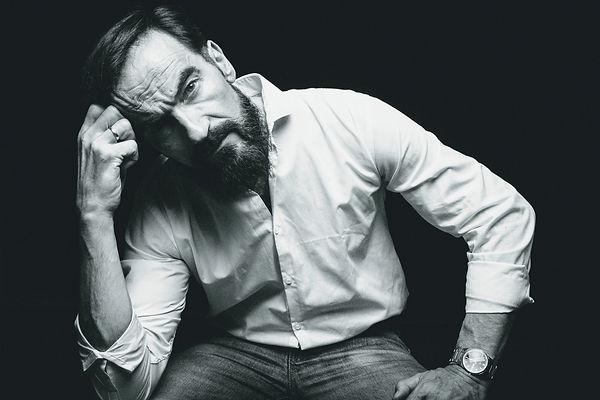 JAVIER PEÑA, Actor.