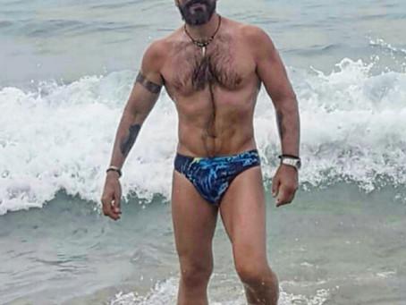 Posado veraniego 2019 de Javier Peña, Actor