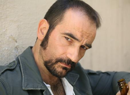 Javier Peña, Actor ha sido seleccionado para interpretar el papel del Ex-teniente Alonso Cobos en el