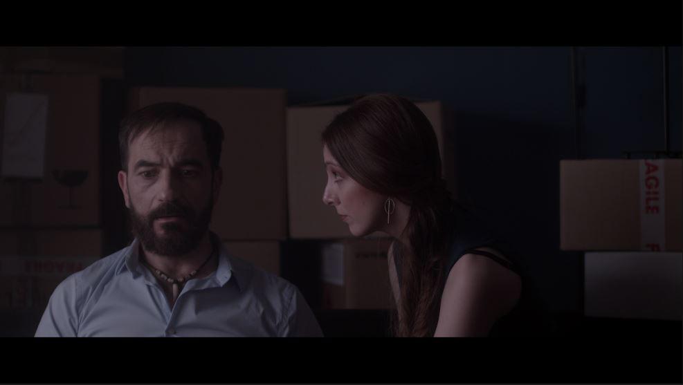 """El actor Javier Peña (Javier) junto a Elena Ribeiro (Lorena) en un fotograma de """"Ixea"""" de Santos Ruano."""