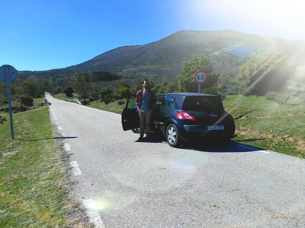 Javier Peña, Actor, saliendo del coche tras el atropello.