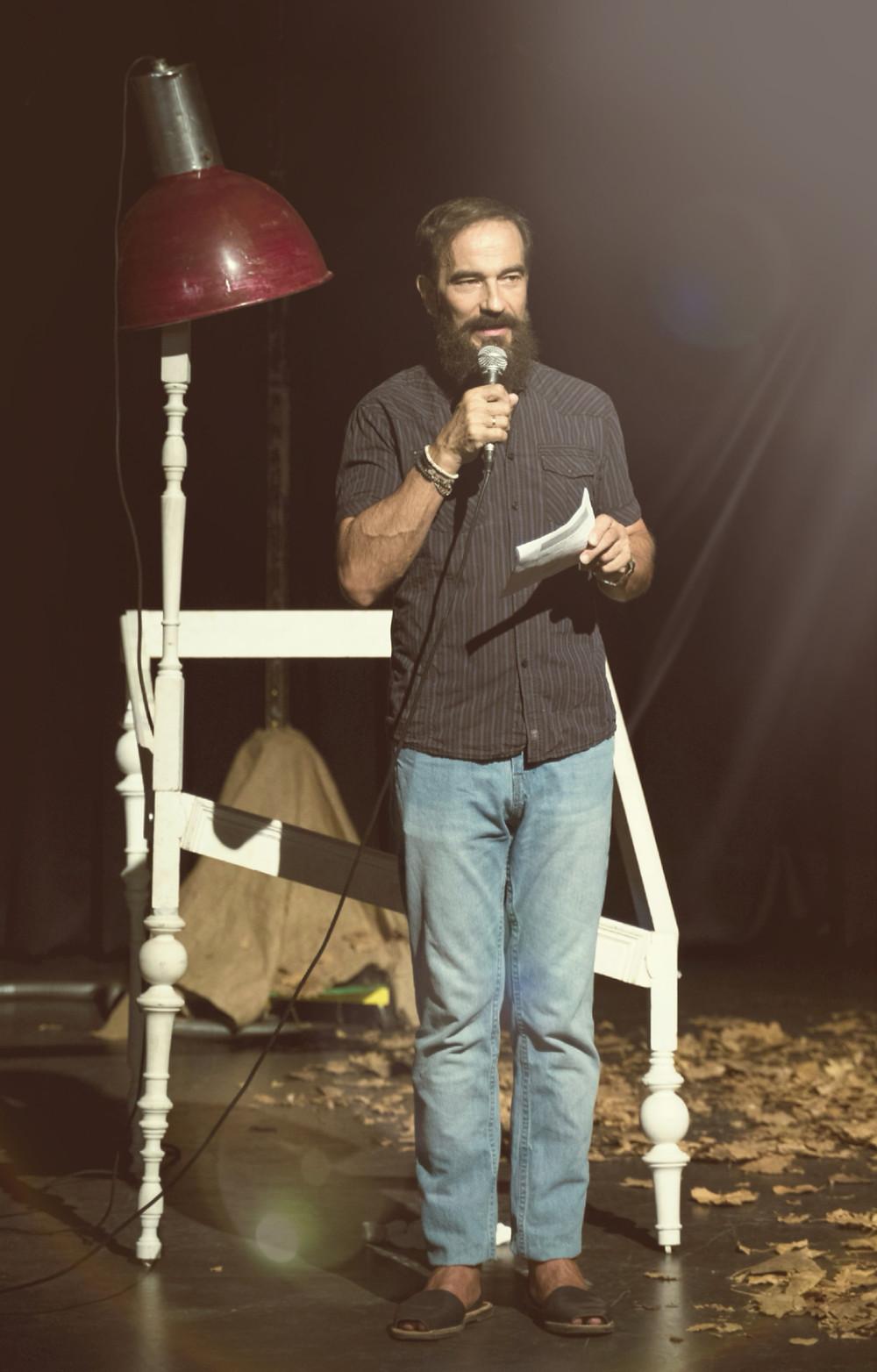 Javier Peña, Actor durante la presentación inaugural.