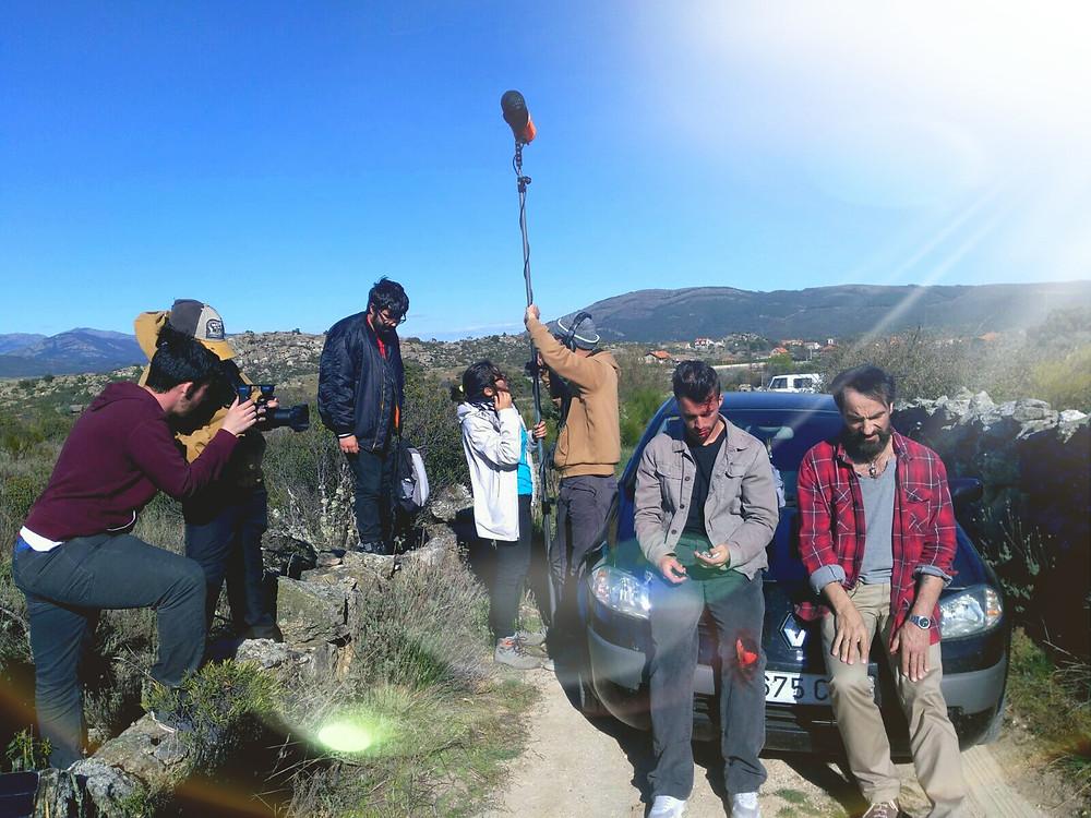 Javier Peña, Actor y Pedro Rudolphi decidiendo si finalmente el primero visita a su hermana antes de la caída del meteorito.