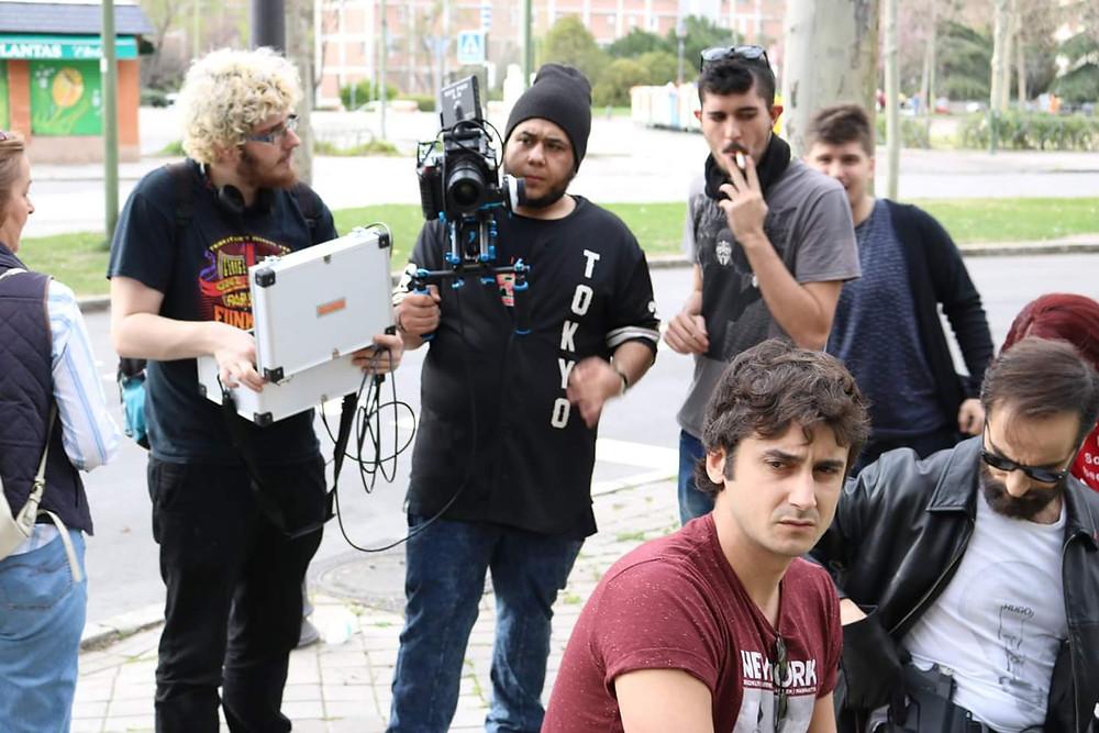 Javier Peña, Actor y Jorge Pobes esperando a que preparen el plano.