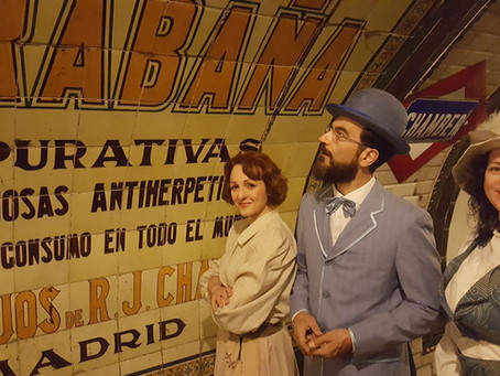 Javier Peña, Actor en una performance de época en la Antigua estación de Chamberí.