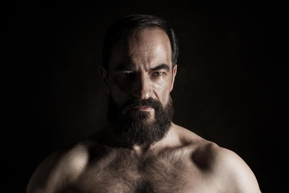 """Javier Peña, Actor en """"Darkness"""" de Enrique Toribio."""