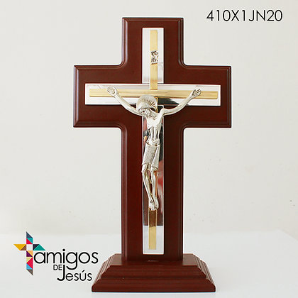 Crucifijo plateado y dorado