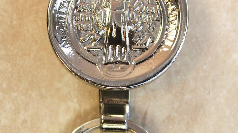 Llavero Medalla San Benito Plateado