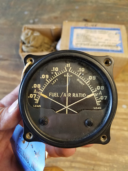Beech C-45 fuel / air ratio indicator
