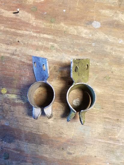 2 each brackets