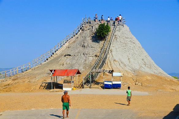 volcan del totumo (Copy).jpg