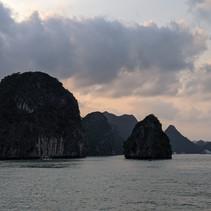 Part 2 Vietnom: No Hue, Hanoi took Ha Long?