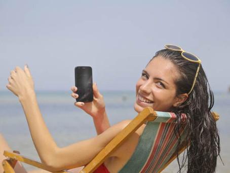 Smartphone e vacanze: come ci comportiamo?