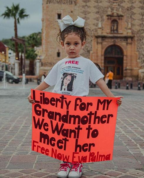 PHOTO Eva Palma's Niece At Vigil For Cle