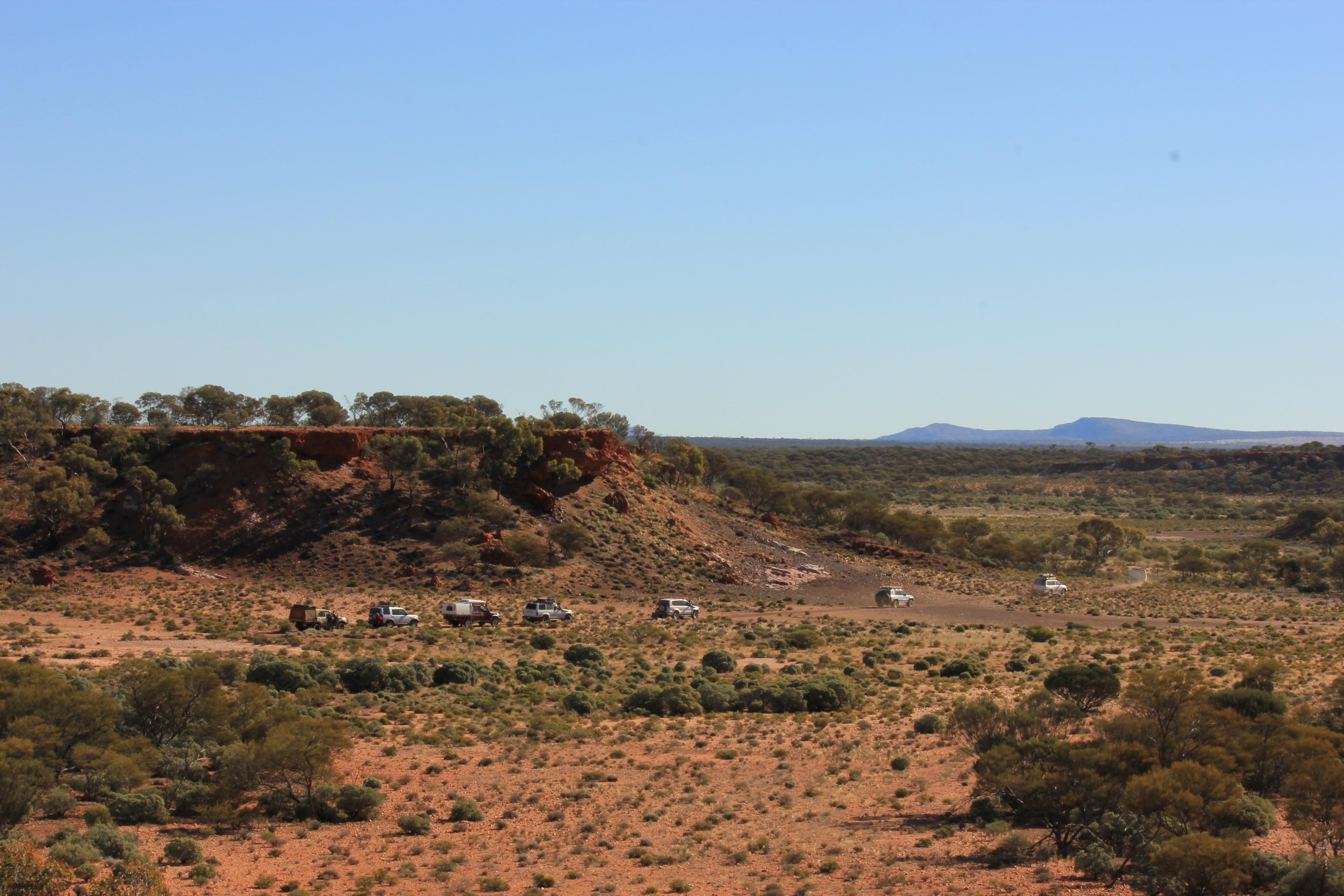 Convoy through the Carnarvon Range