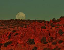 Full moon over Carnarvon Range