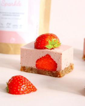 Aardbeien kokosroomtaartje2.jpg