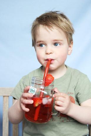 strawberry spa ijsthee drinken.jpg