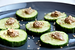 Komkommer- en banaanplakjes met notenpasta