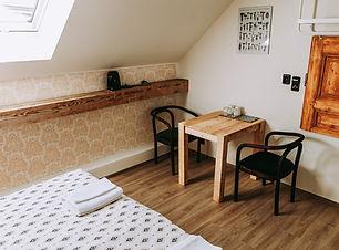Pokoj číslo 5.jpg
