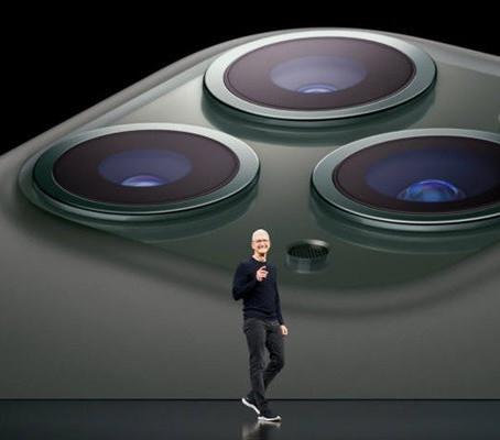 Apple podría lanzar al mercado un nuevo iPhone aún más grande de 6,7 pulgadas.