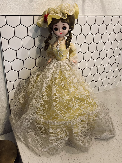 """Vintage Bradley Big Eyed Doll w/ Yellow Lace Puffy Dress Made In Korea 16"""""""