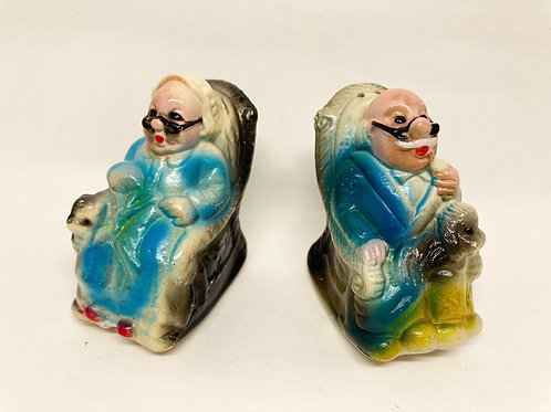 Vintage Plastic Grandma & Grandpa Rocking Chairs Salt & Pepper Shakers