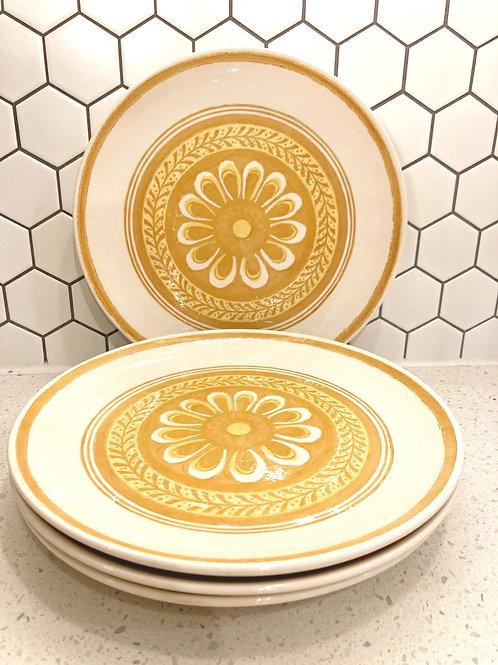 Set of 4 Vintage Harvest Gold Casablanca Cavalier Dinner Plates