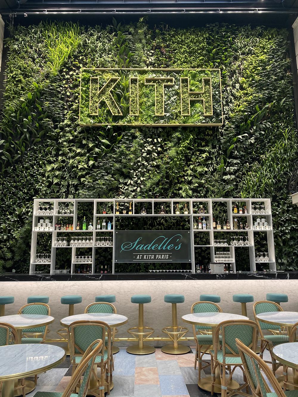 KIth Paris, Sadelle's, sneaker, mur végétal Kith Paris, temple des sneakers, streetwear, luxe