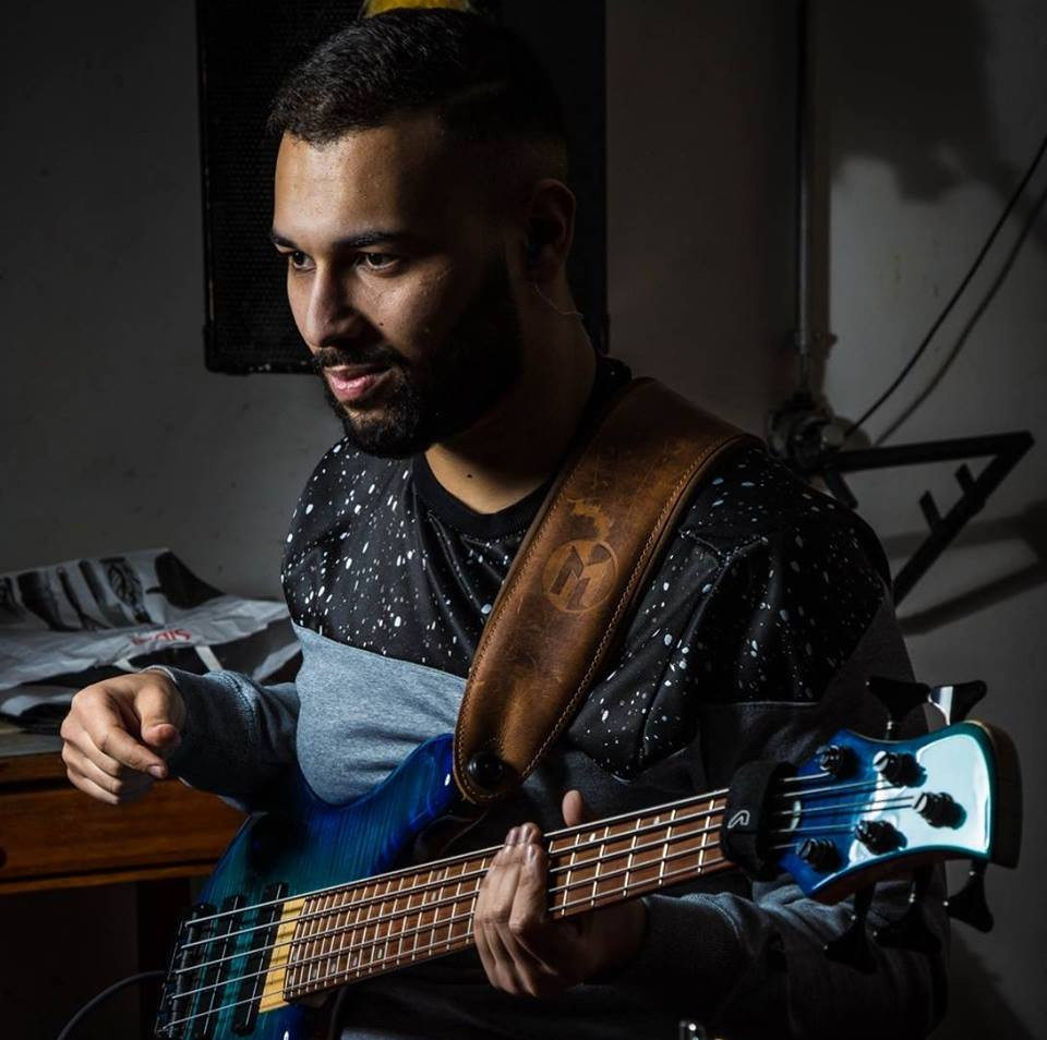 Adel Toumi Aventure bass