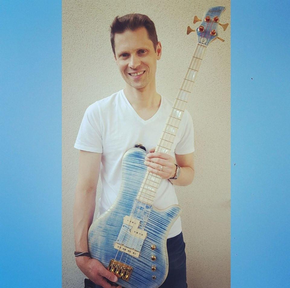 Vince Lam blue T-Bass
