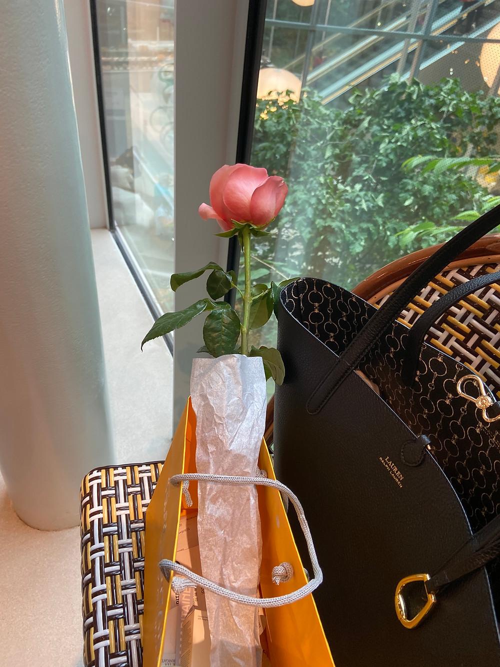 Rose offerte par Fresh