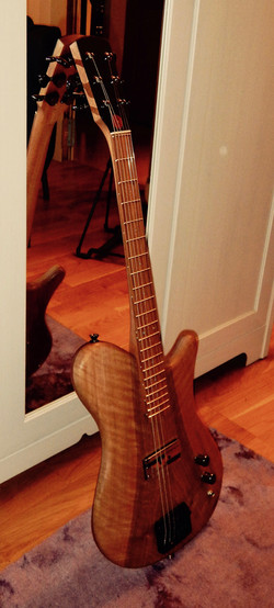 Nora Gallucci Lutherie