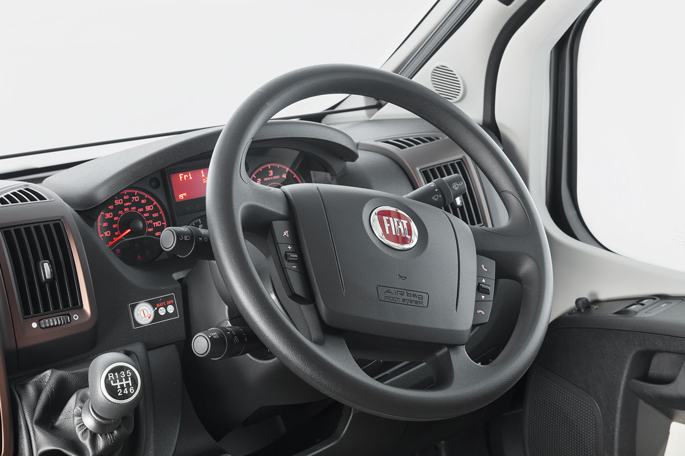 [INT]-Bessacarr-560-Steering-Wheel-Controls-[SWIFT]