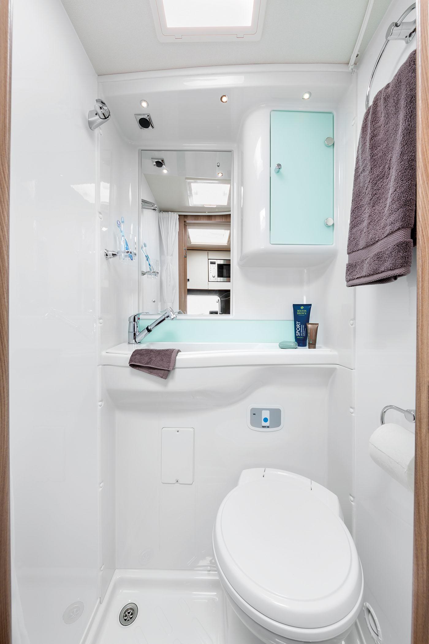 [INT]-Rio-340-Washroom-[SWIFT]