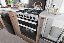 [INT]-Rio-Dometic-Oven-and-Hob-[SWIFT]