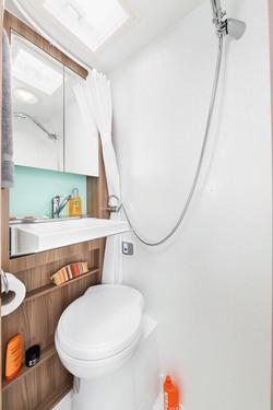 5[INT]-Select-122-Washroom-Sink-down-[SWIFT]