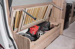 [INT]-Rio-Under-Seat-Storage-[SWIFT]