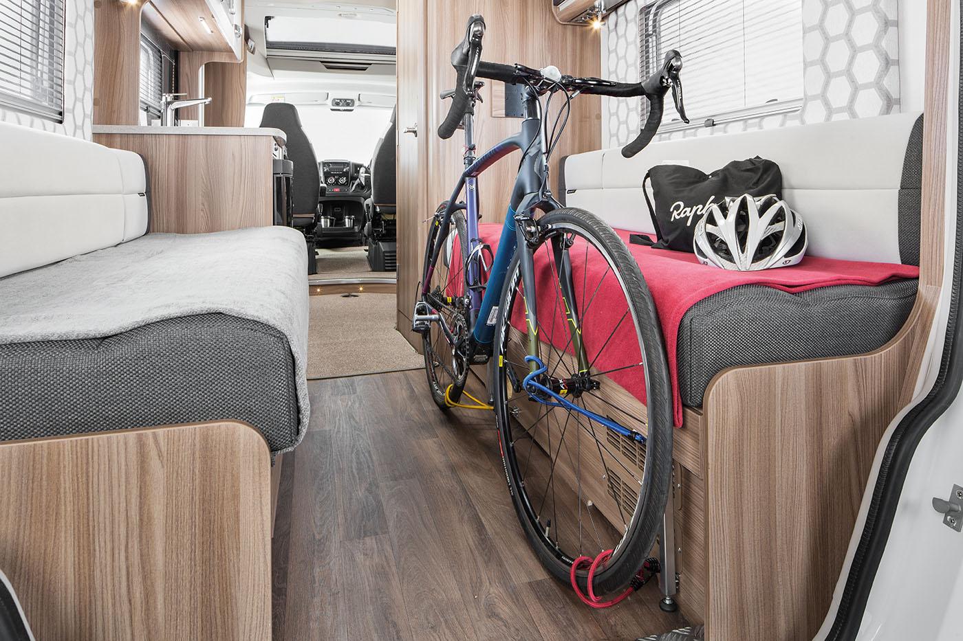[INT]-Rio-320-Bike-Stored-[SWIFT]