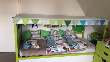 Kura Bett Verschönerung – Ikea Hack