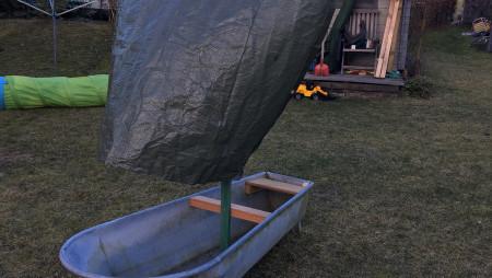 Piratenschiff Sandkasten aus Zinkbadewanne - Papa kreativ