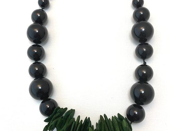 Cosmopolitan Necklace/short - Black/Green