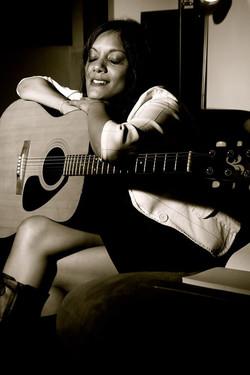 mou_acoustic.jpg