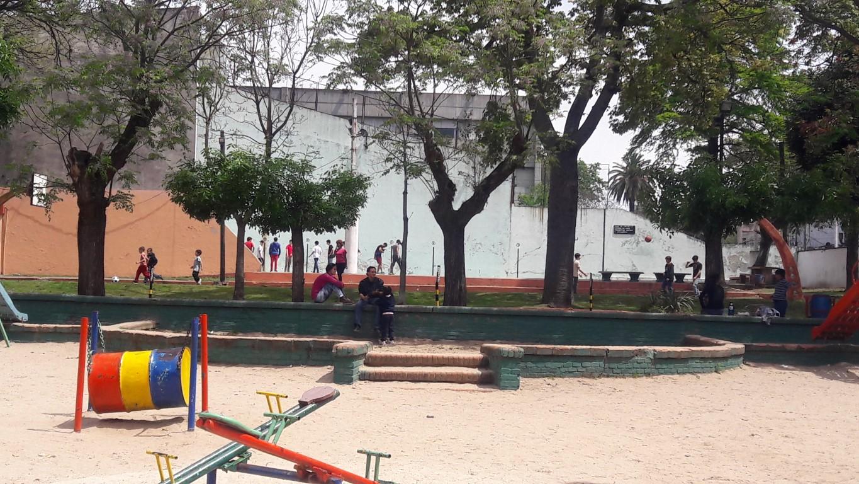 Parque infantil - Cancha de frontón