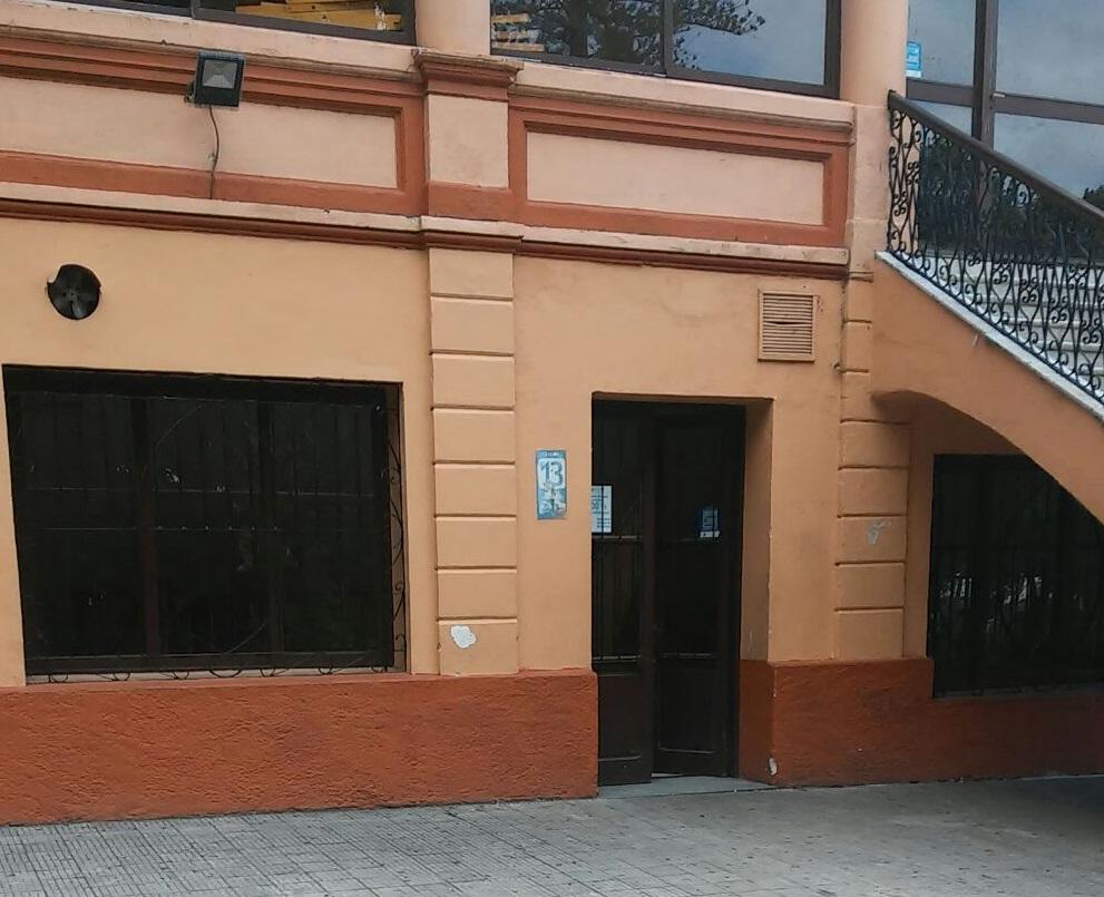 Salón 13 frente